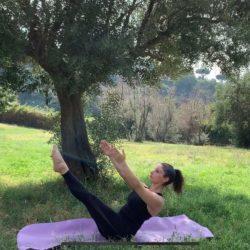 """Viviana Scrivano, classe 87, siciliana ma in giro per l'Italia da anni. Sono cresciuta nel mondo della danza e questo di certo mi ha avvicinato e fatto appassionare a discipline affini come lo Yoga e il Pilates. Insegno da quasi 10 anni, ma non smetto mai di studiare, di aggiornarmi, di scoprire nuove attività e nuovi metodi. Laureanda in Scienze Motorie, ho approfondito lo studio dello Yoga, in particolare dell'Hatha Yoga con la formazione quadriennale della Federazione Mediterranea Yoga - Unione Europea Yoga con insegnanti che rappresentano lo Yoga come Wanda Vanni, Antonio Nuzzo, Willy Van Lysebeth.  Sto continuando il percorso nello Yoga approfondendo anche lo Yoga Dinamico in particolare Power Yoga, una derivazione moderna dell'Ashtanga Yoga con il Metodo Roberto Bocchi. Ho conseguito la formazione di Pilates Matwork F.I.F. con specializzazione in Pilates Props e in Pilates per la Gravidanza e Senior e non smetto di continuare la formazione perché proprio come dice J. Pilates """"La cosa più importante non è ciò che stai facendo, ma come lo fai""""."""
